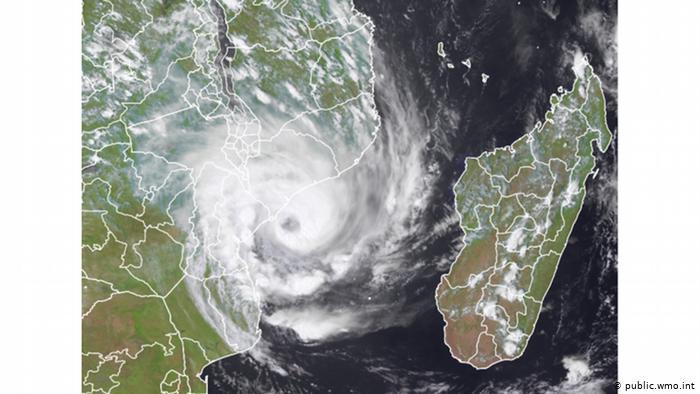 اشنکٹبندیی طوفان ایلوس کا مصنوعی سیارہ
