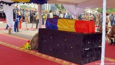سابق صدر ادریس ڈبی اتنو کا جنازہ